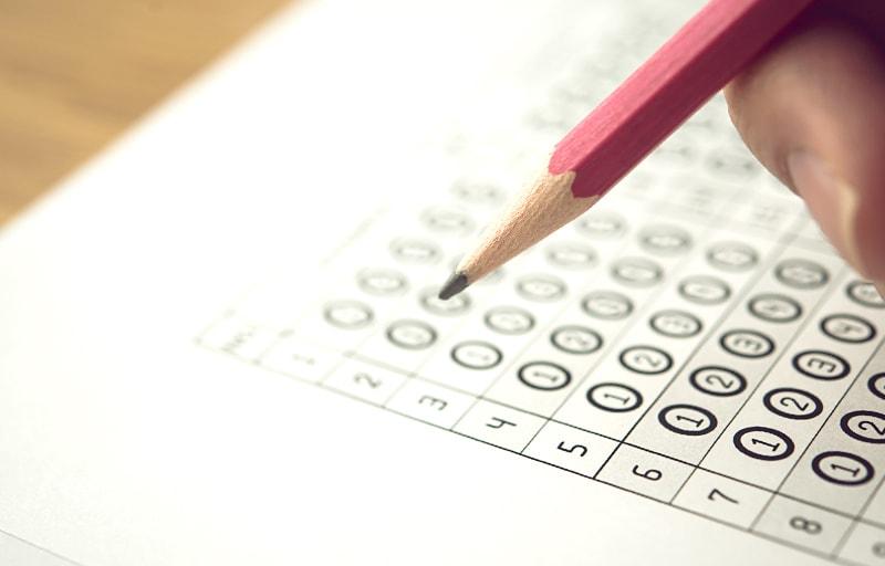 資格試験と鉛筆