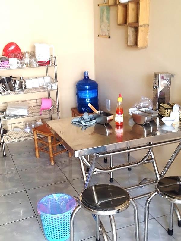 ベトナムではよく見かけるテーブル