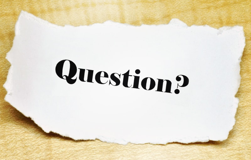Question?と書かれた紙