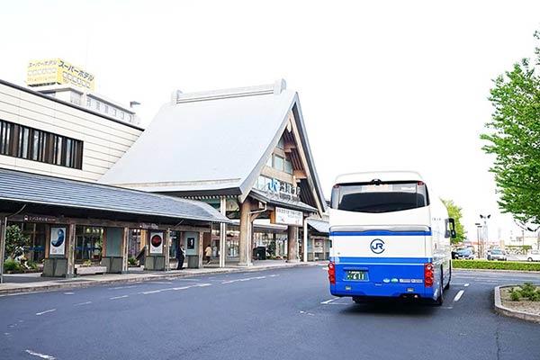 出雲駅からバスで出発