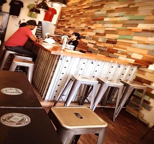 ホーチミンのカフェ「Pasteur street brewing company」へ、お邪魔してきました