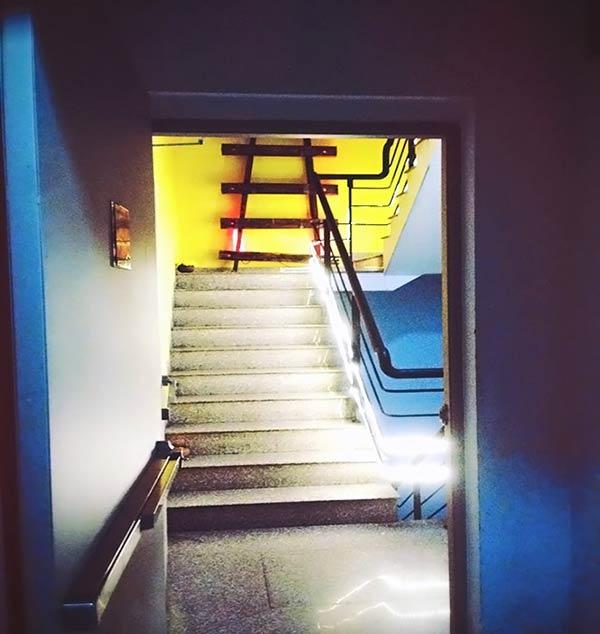 お洒落な階段ですね