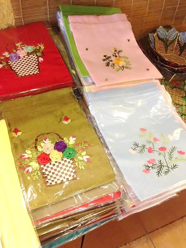 カラフルなベトナム刺繍