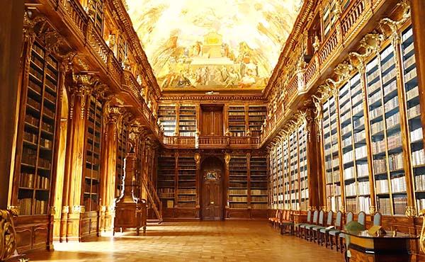 ストラホフ修道院・世界一美しい図書館を巡るチェコ旅行記