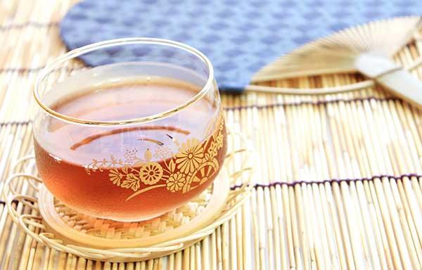 麦茶と団扇