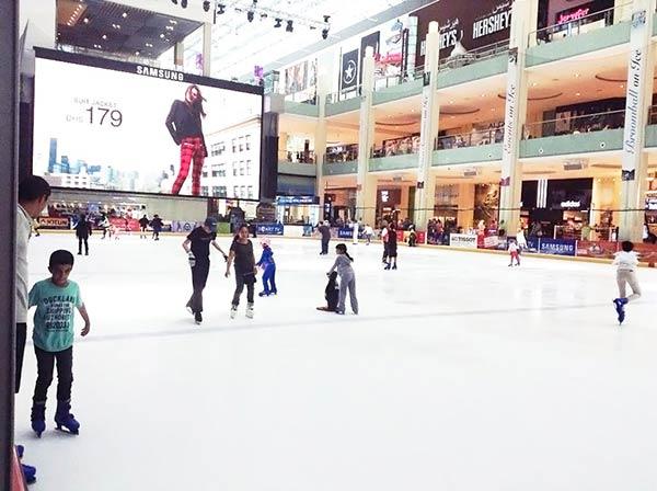 ドバイのスケートリンク