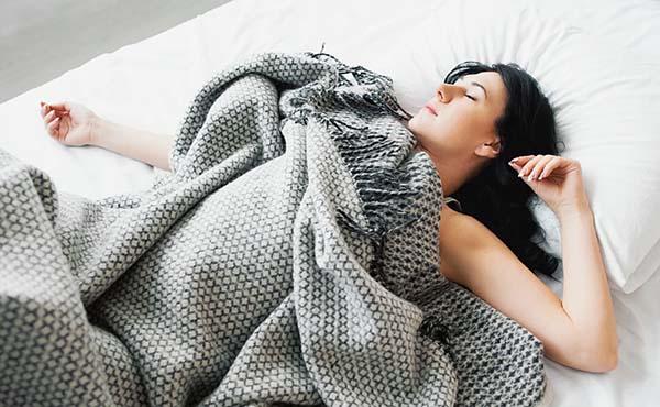 熱帯夜対策・エアコンや扇風機を使わないエコ快眠法