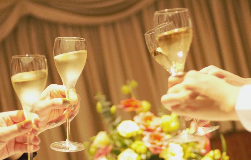 披露宴で乾杯