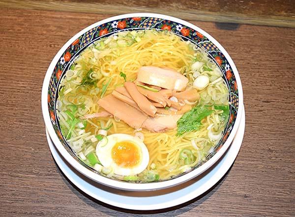 これが味彩新塩拉麺