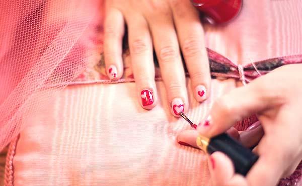 マニキュアおすすめ・目指すは指先まで美しいステキな女性