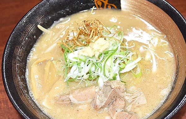 スープは白味噌ベース