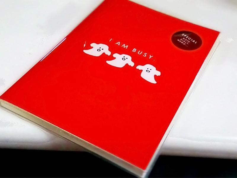この赤いノートもカワイイ