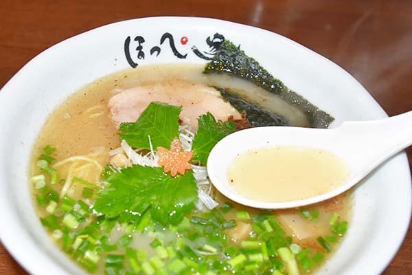 スープは塩味が口の中に染みわたります