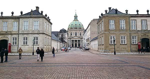 アマリエンボー宮殿とその周辺