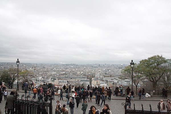 曇りだけどパリは美しかったです