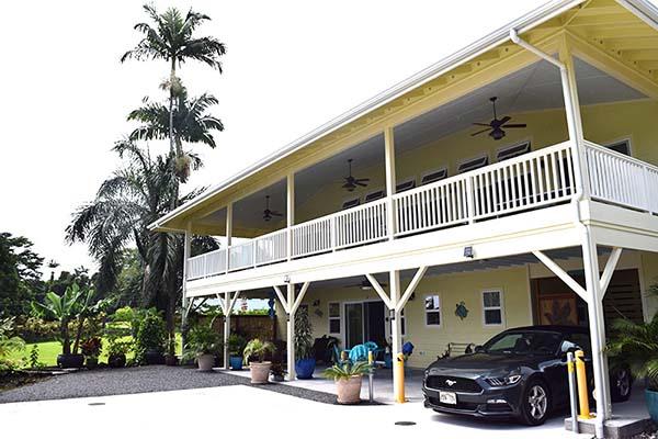 ハワイアンスタイルの建物