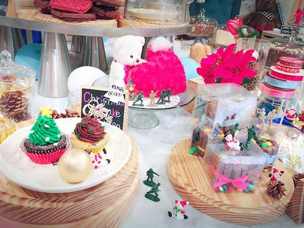 かわいいクリスマスツリーのカップケーキ