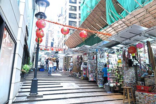 香港島 ヒルサイドエスカレーター近くの路地
