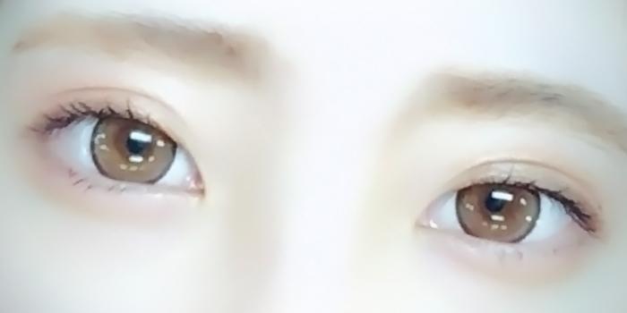 左目と右目で違う色をプラス