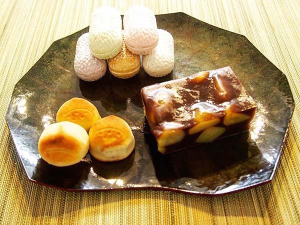 優雅で美しい「蜂の家」の和菓子