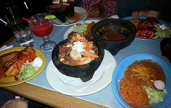 ボリューム満点のメキシコ料理