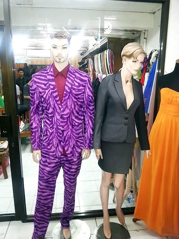 洋服屋で見かけたマネキン