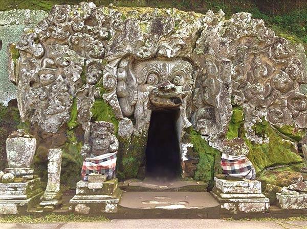 ゴアガジャの洞窟