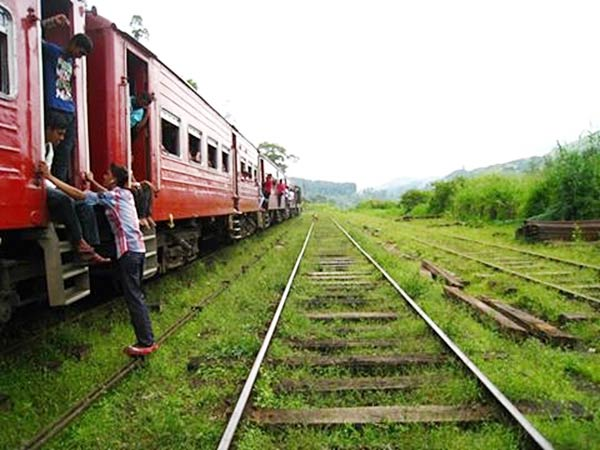 スリランカの線路