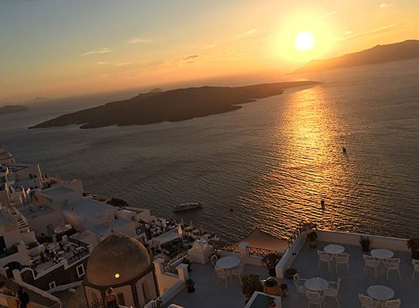 イアから眺める夕日
