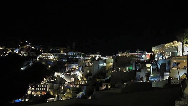 サントリーニ島の夜