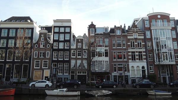 ロマンチックなアムステルダムの街並み
