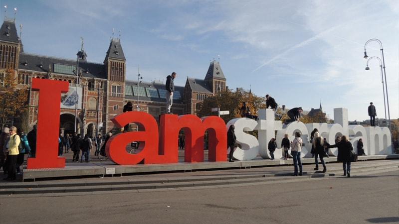アムステルダム国立美術館の文字看板