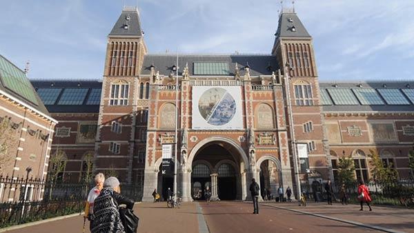 アムステルダム国立美術館の正面入り口