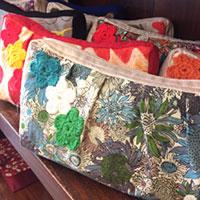 可愛いベトナム刺繍のポーチや洋服が買えるホーチミンの店