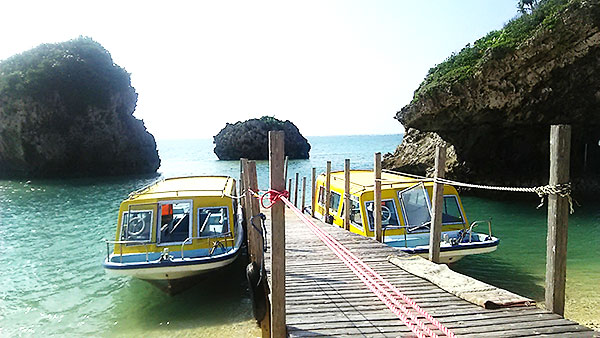 沖縄のグラスボート