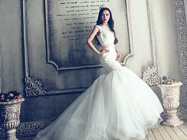 ウェディングドレス「ユミライン」