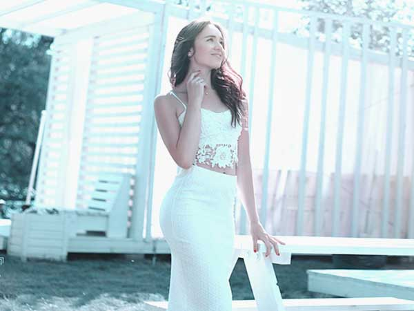 ウェディングドレス「スレンダーライン」