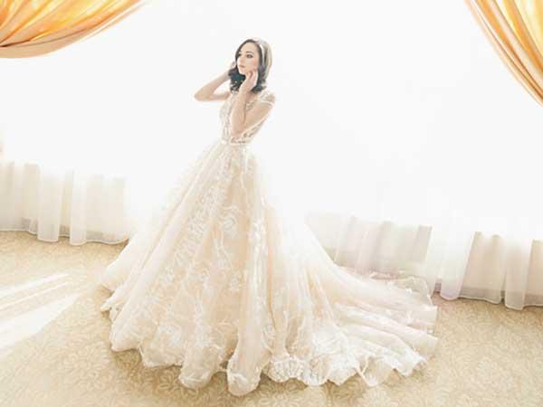 ウェディングドレス「エンパイアライン」