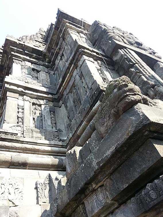 シバ聖堂の壁