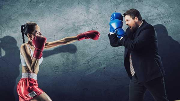 ボクシングで戦う男と女