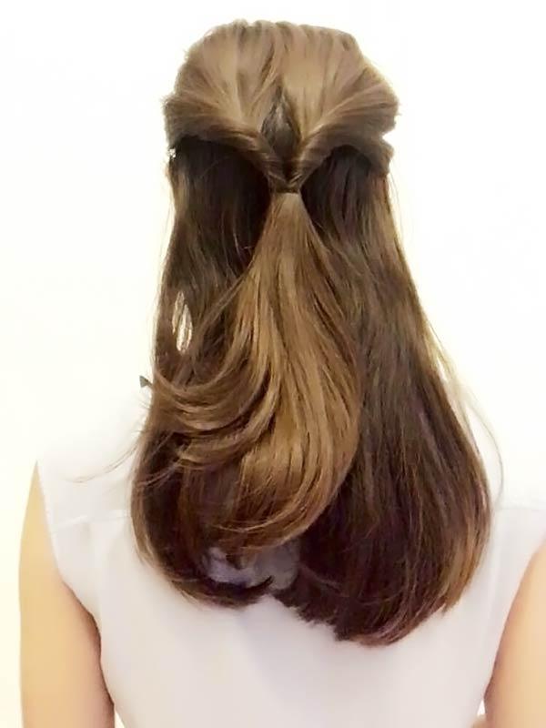 ヘアゴムより下の髪を上から空洞に通す