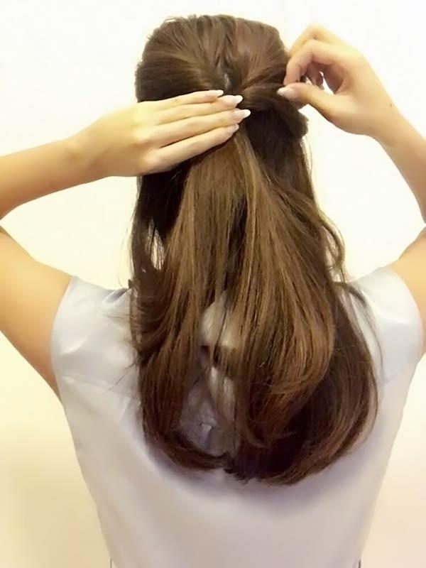 髪を緩める