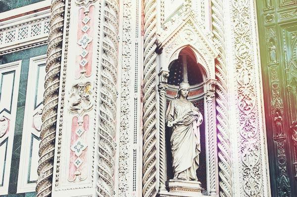 サンタ・マリア・デル・フィオーレ大聖堂に描かれた絵画