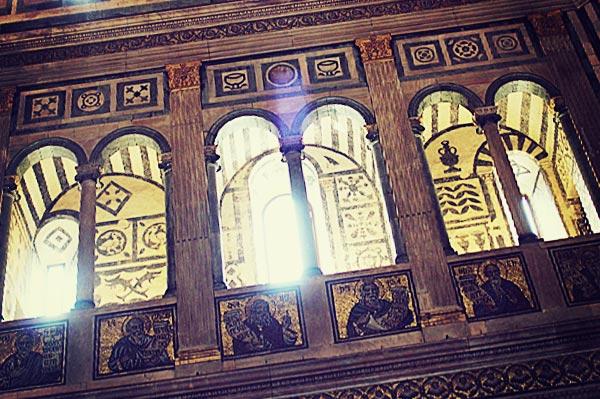 サン・ジョヴァンニ洗礼堂の窓