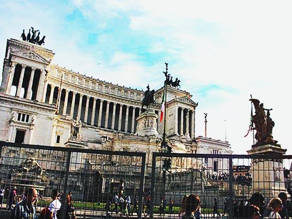 ヴィットリオ・エマヌエーレ2世記念堂(Monumento a Vittorio  Emanuele II)