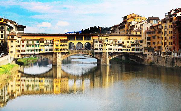 映画の舞台になったフィレンツェの名所を巡る旅