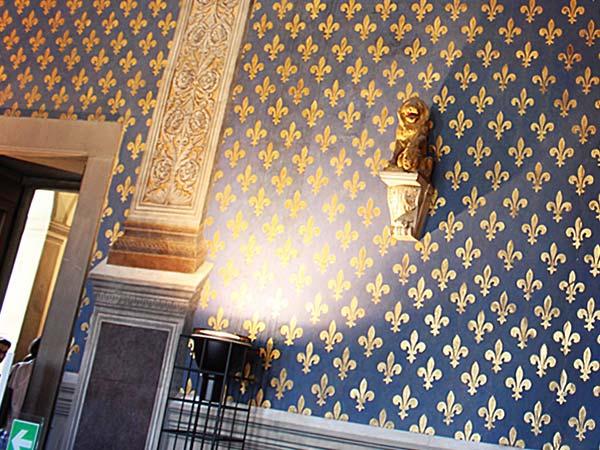 ヴェッキオ宮殿の廊下の壁
