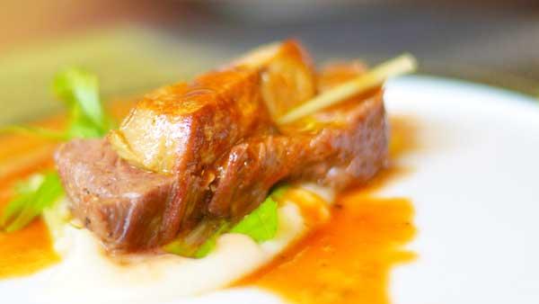 フォアグラと牛フィレ肉のステーキ