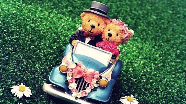 熊のカップルの結婚式ミニチュア