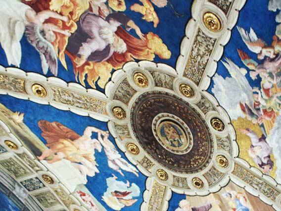 バチカン美術館の天井にある絵